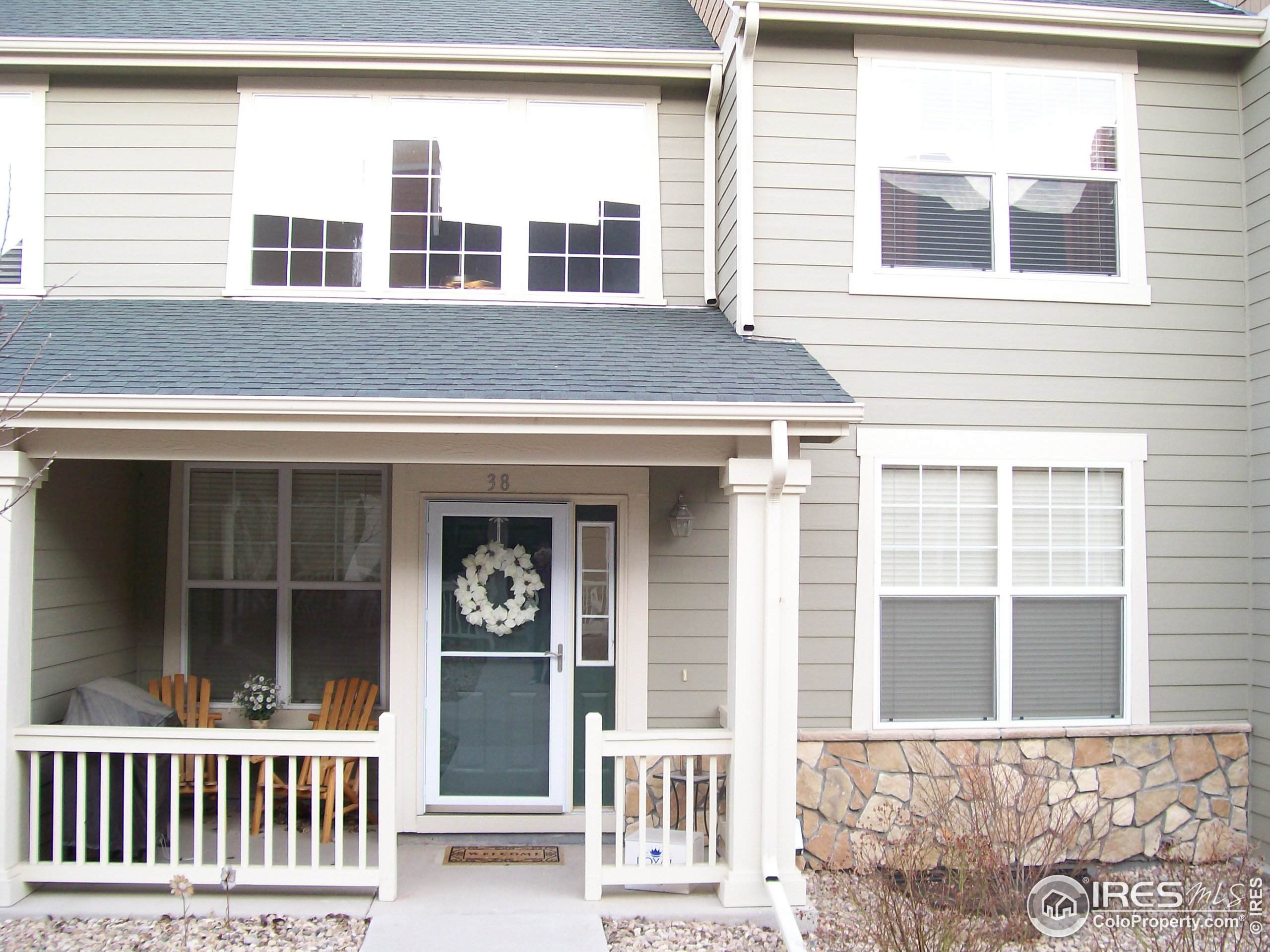 165 Western Sky Cir, Longmont, CO 80501 (MLS #923790) :: J2 Real Estate Group at Remax Alliance