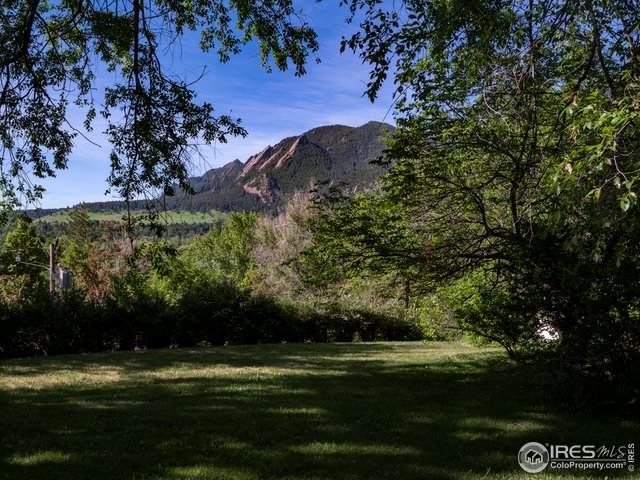 612 Spruce St - Photo 1
