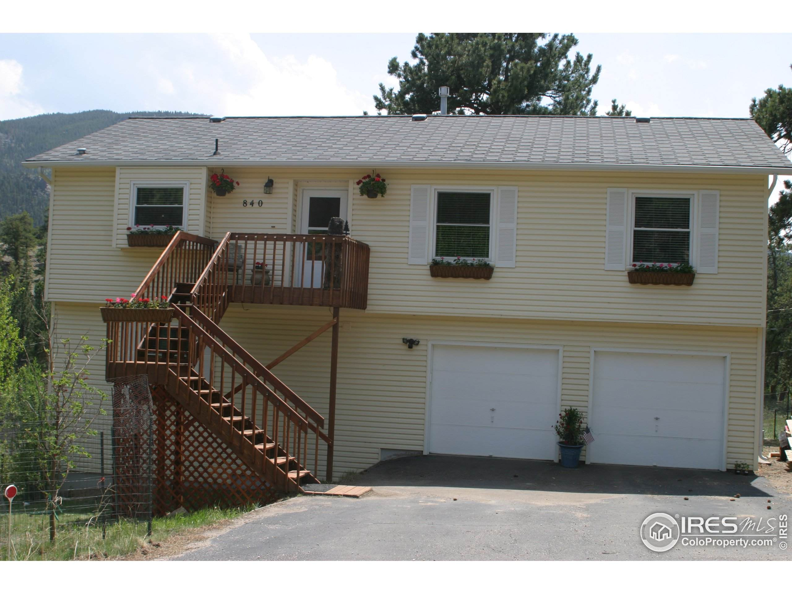 4513 Fawn Trl, Loveland, CO 80537 (MLS #931137) :: HomeSmart Realty Group