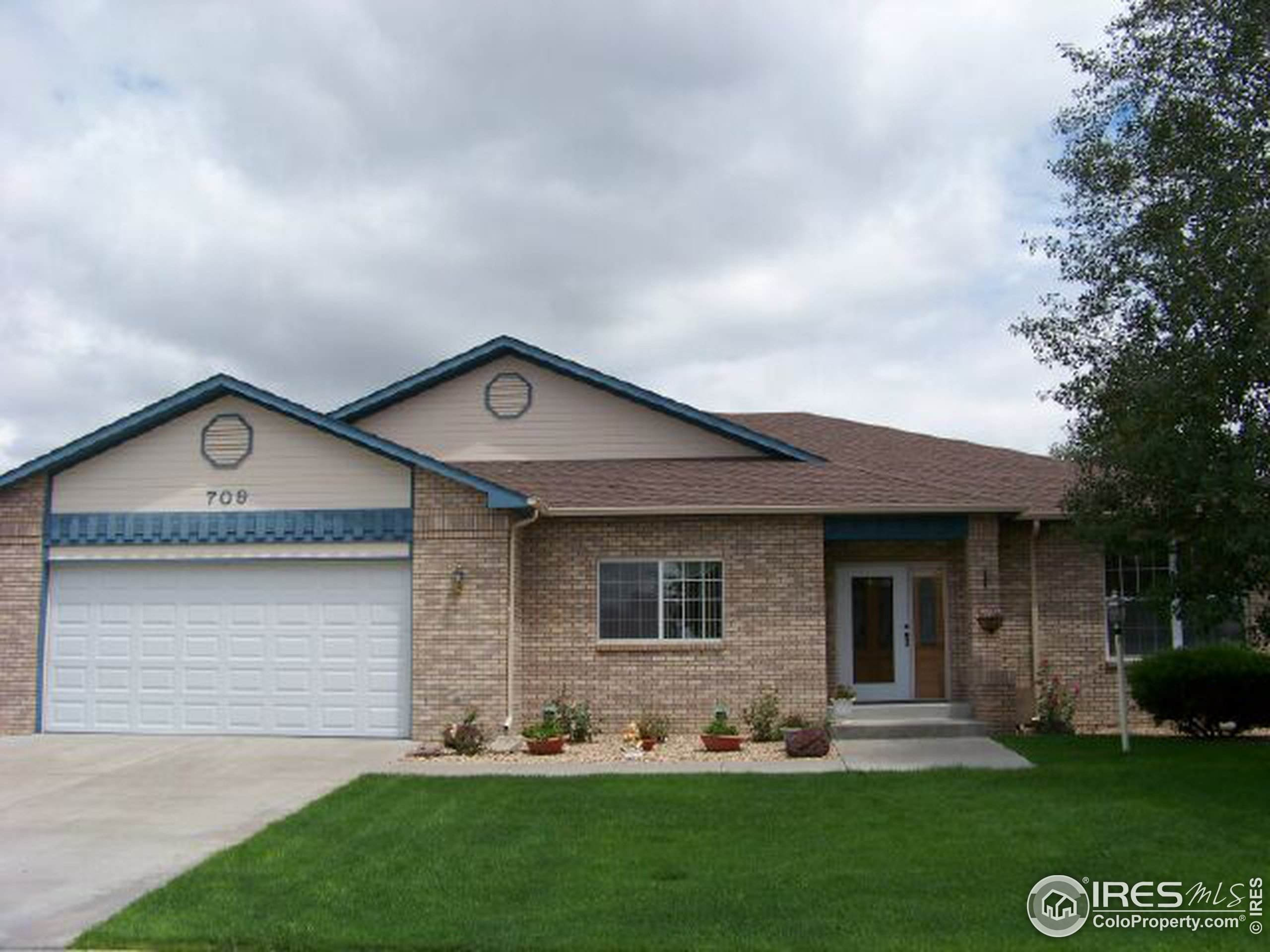 2312 74th Ave Ct, Greeley, CO 80634 (MLS #931626) :: Jenn Porter Group