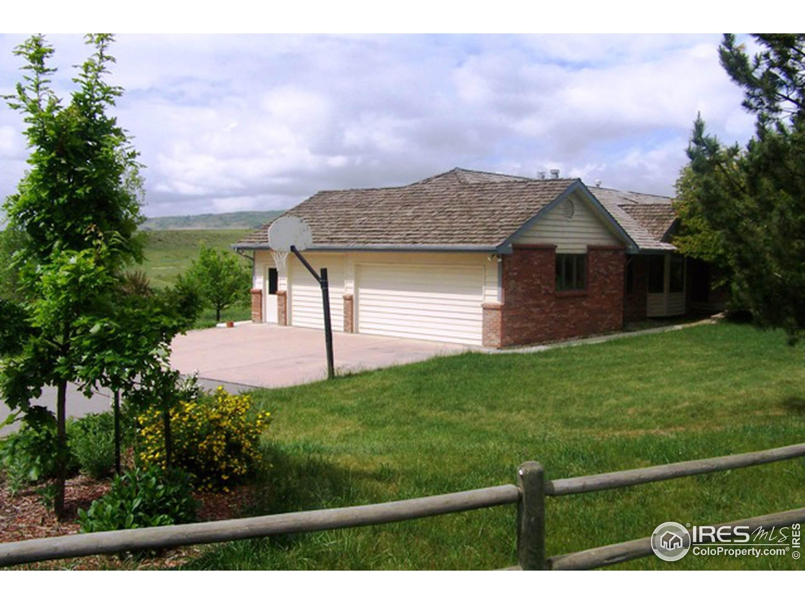 2200 37th St #111, Evans, CO 80620 (MLS #931684) :: Wheelhouse Realty
