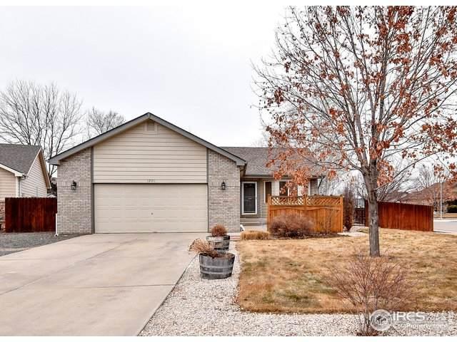 1200 Crest Ct, Windsor, CO 80550 (MLS #933288) :: J2 Real Estate Group at Remax Alliance