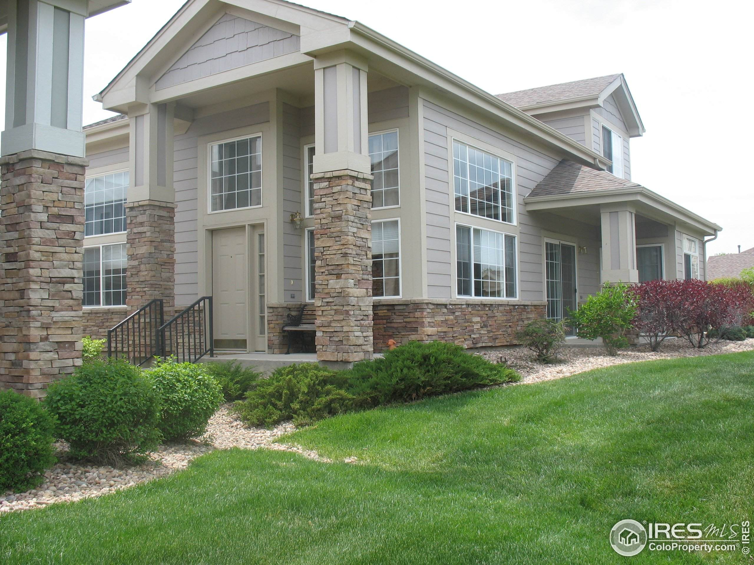 889 Stagecoach Trl, Lyons, CO 80540 (MLS #935795) :: Jenn Porter Group