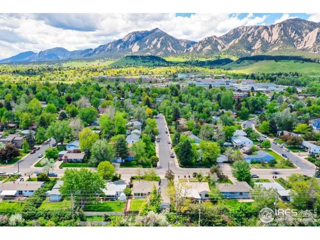 2945 Moorhead Ave, Boulder, CO 80305 (#936955) :: The Griffith Home Team