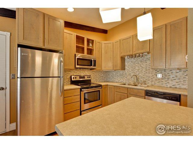 913 Vanderbilt Ct, Fort Collins, CO 80525 (#866137) :: My Home Team
