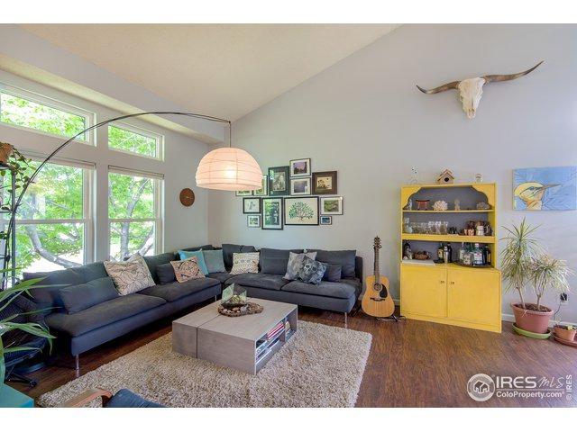 824 Buchanan Ln, Longmont, CO 80504 (MLS #884860) :: 8z Real Estate