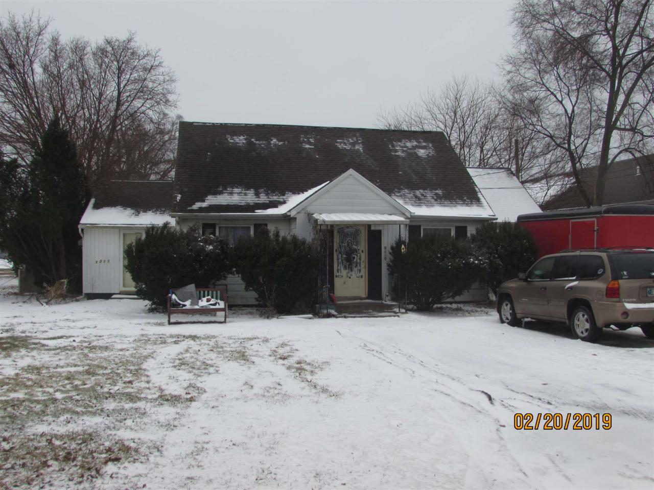 1013 Lincolnway East - Photo 1