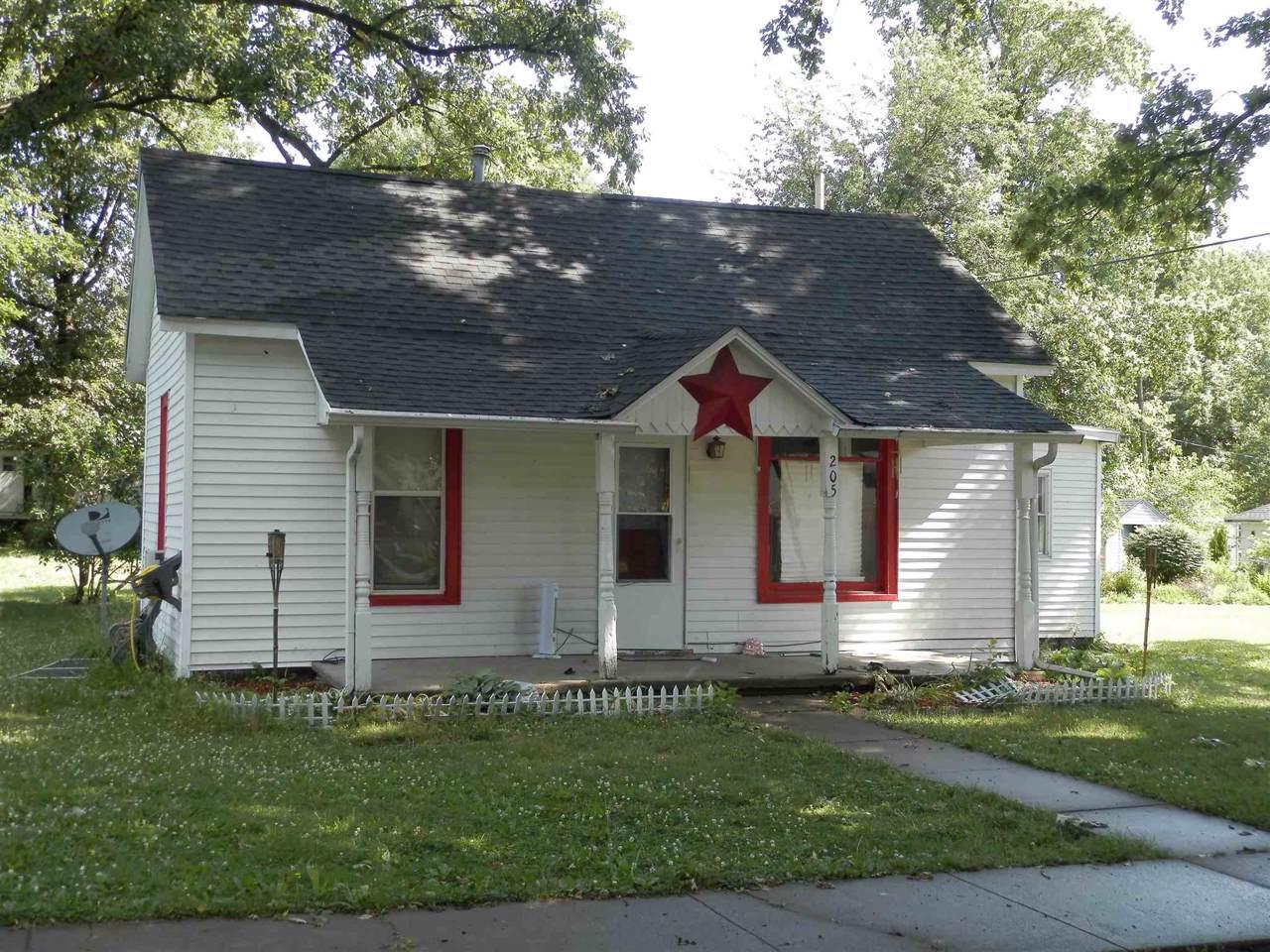 205 Plum Street - Photo 1