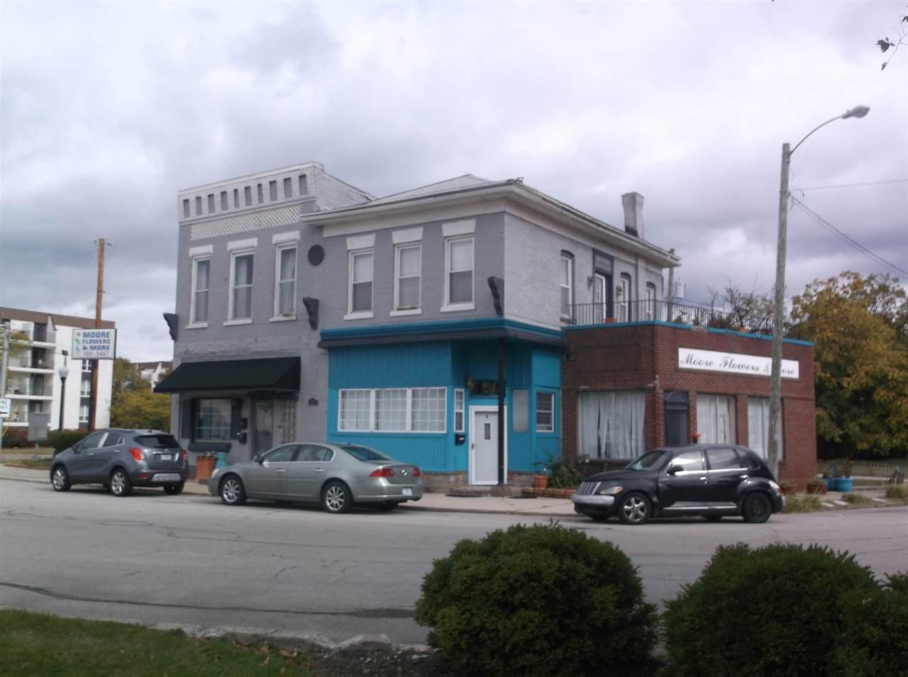 1005 Harmar Street - Photo 1