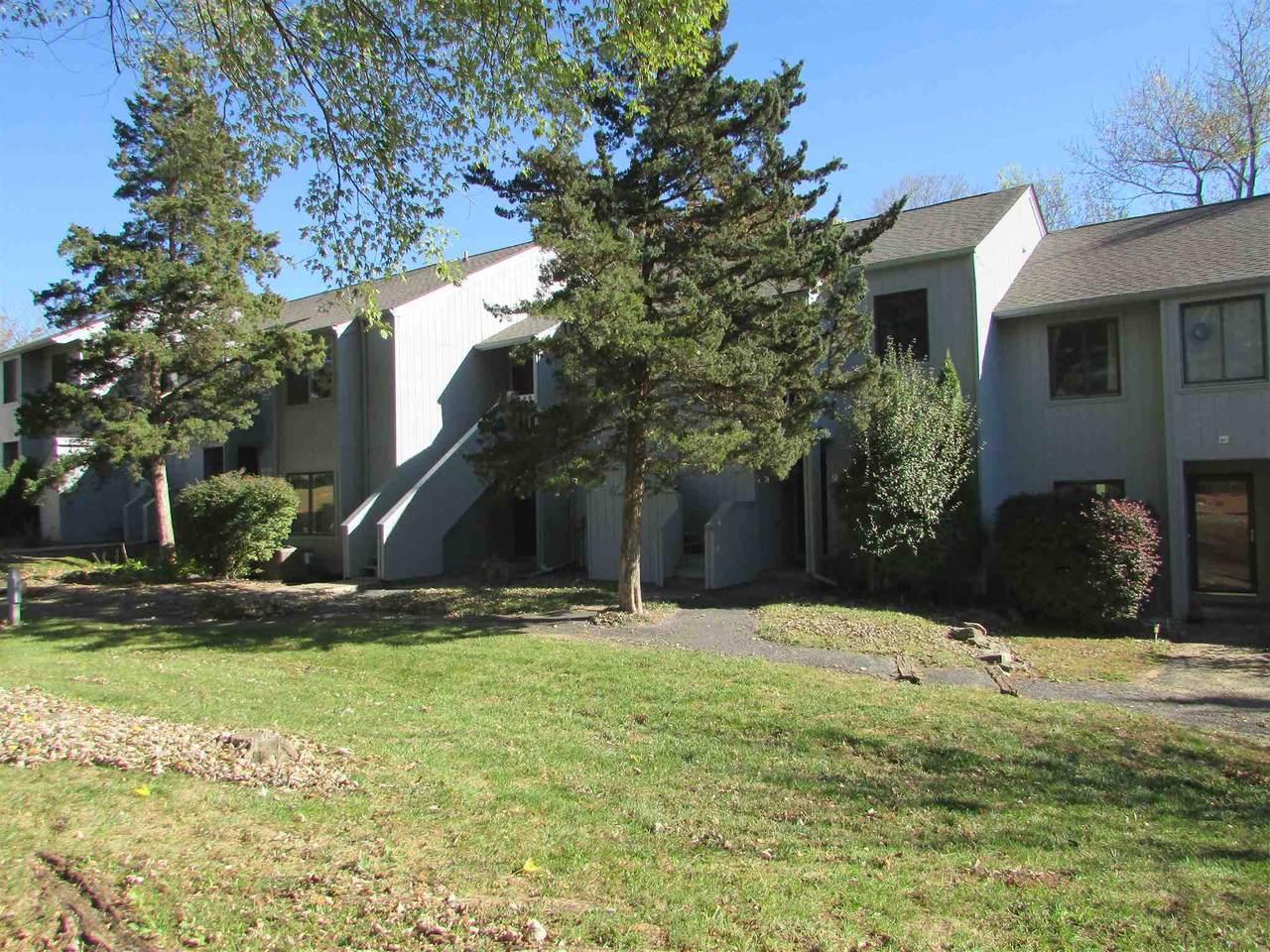 9025 Pointe Ridge Lane - Photo 1