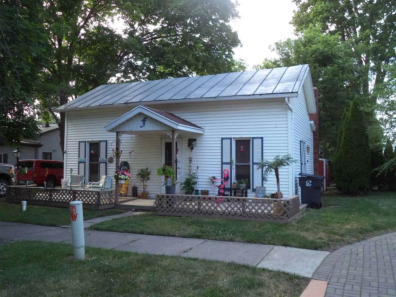 305 Van Buren Street - Photo 1