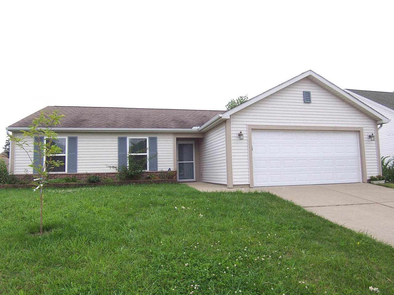 1529 Roundtable Drive - Photo 1