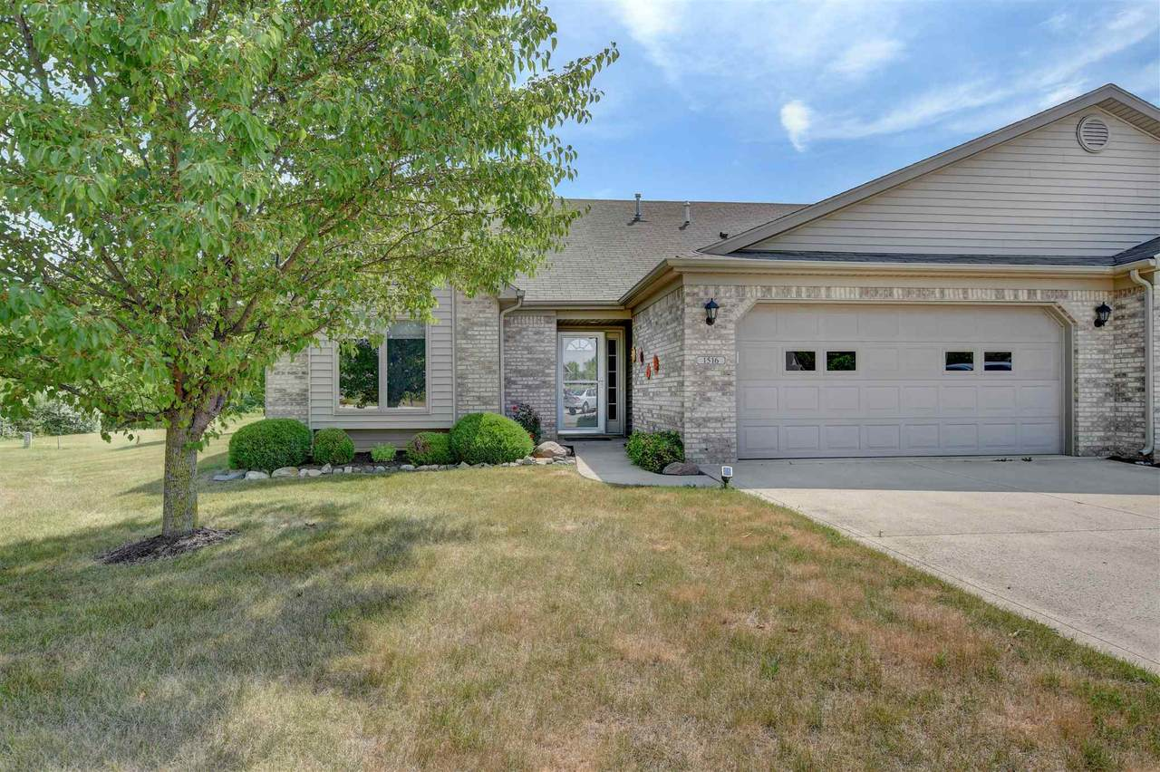 1516 Coventry Court - Photo 1