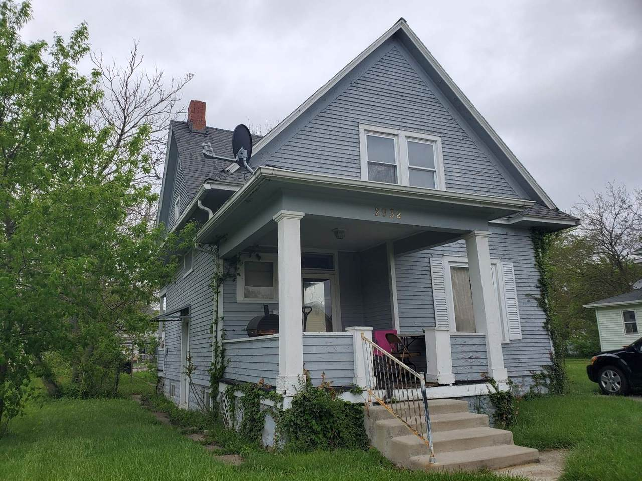 2932 Central Drive - Photo 1