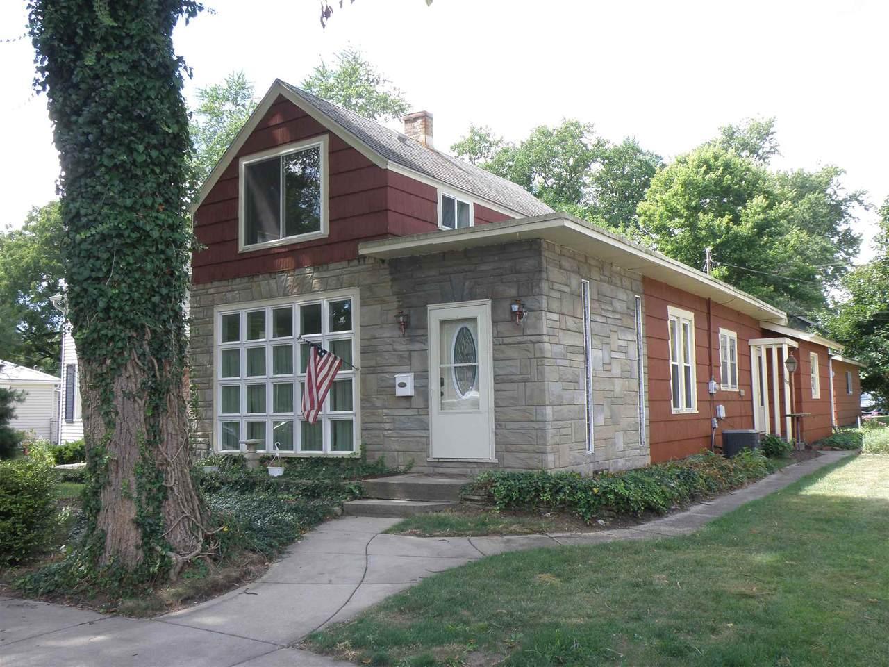 217 Kenwood Avenue - Photo 1