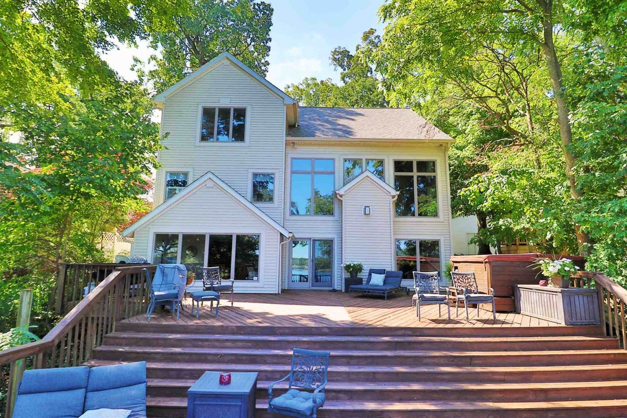 5559 Colonial Oaks Drive - Photo 1