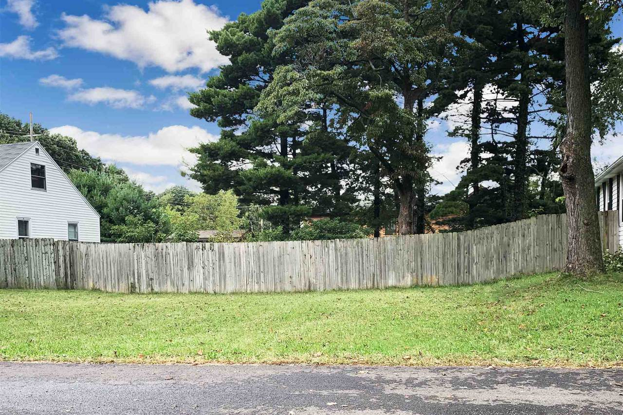 131 Willow Drive - Photo 1