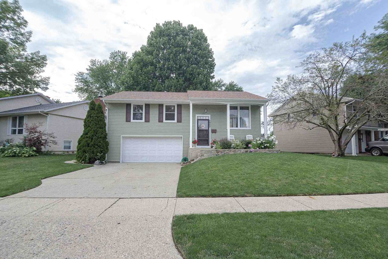 2402 Maumee Place - Photo 1