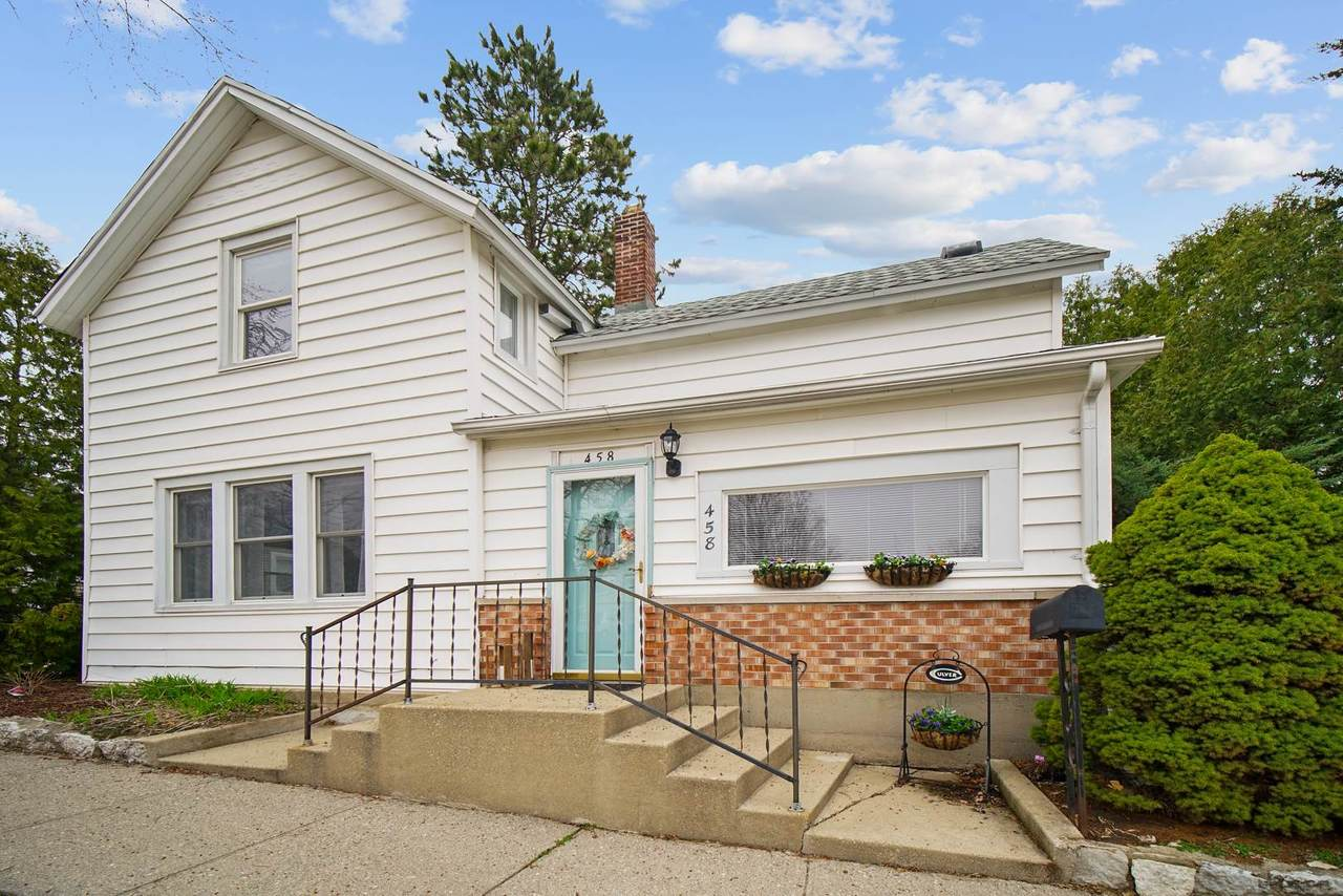 458 Lakeview Street - Photo 1