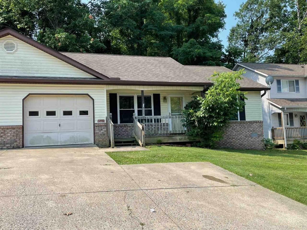 1060 Forest View Drive - Photo 1