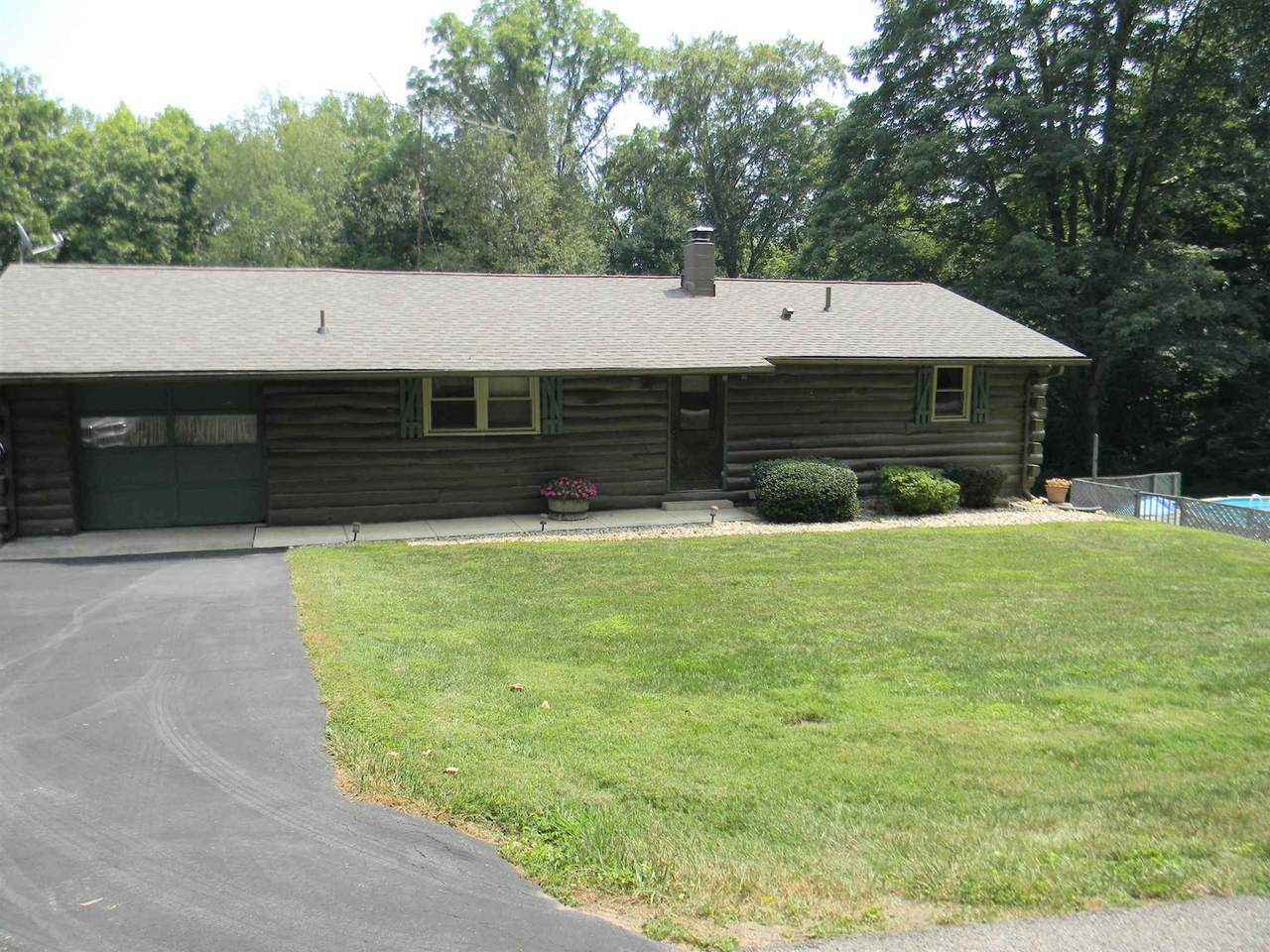 2379 Sherwood Forest Drive - Photo 1