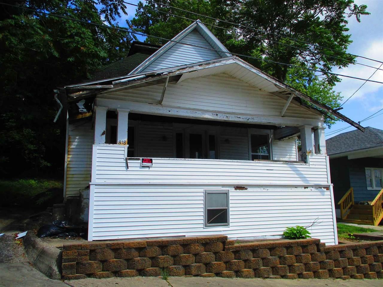 818 Walnut Street - Photo 1