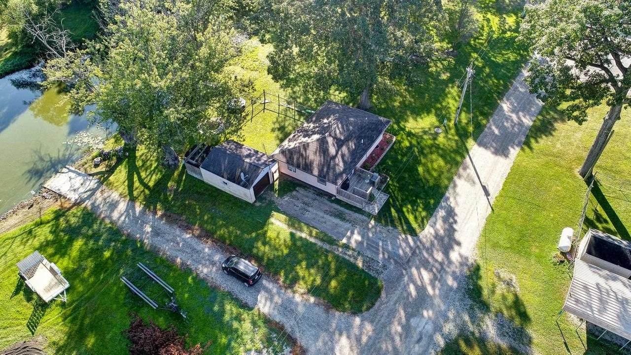10538 Oak Knoll Rd E - Photo 1