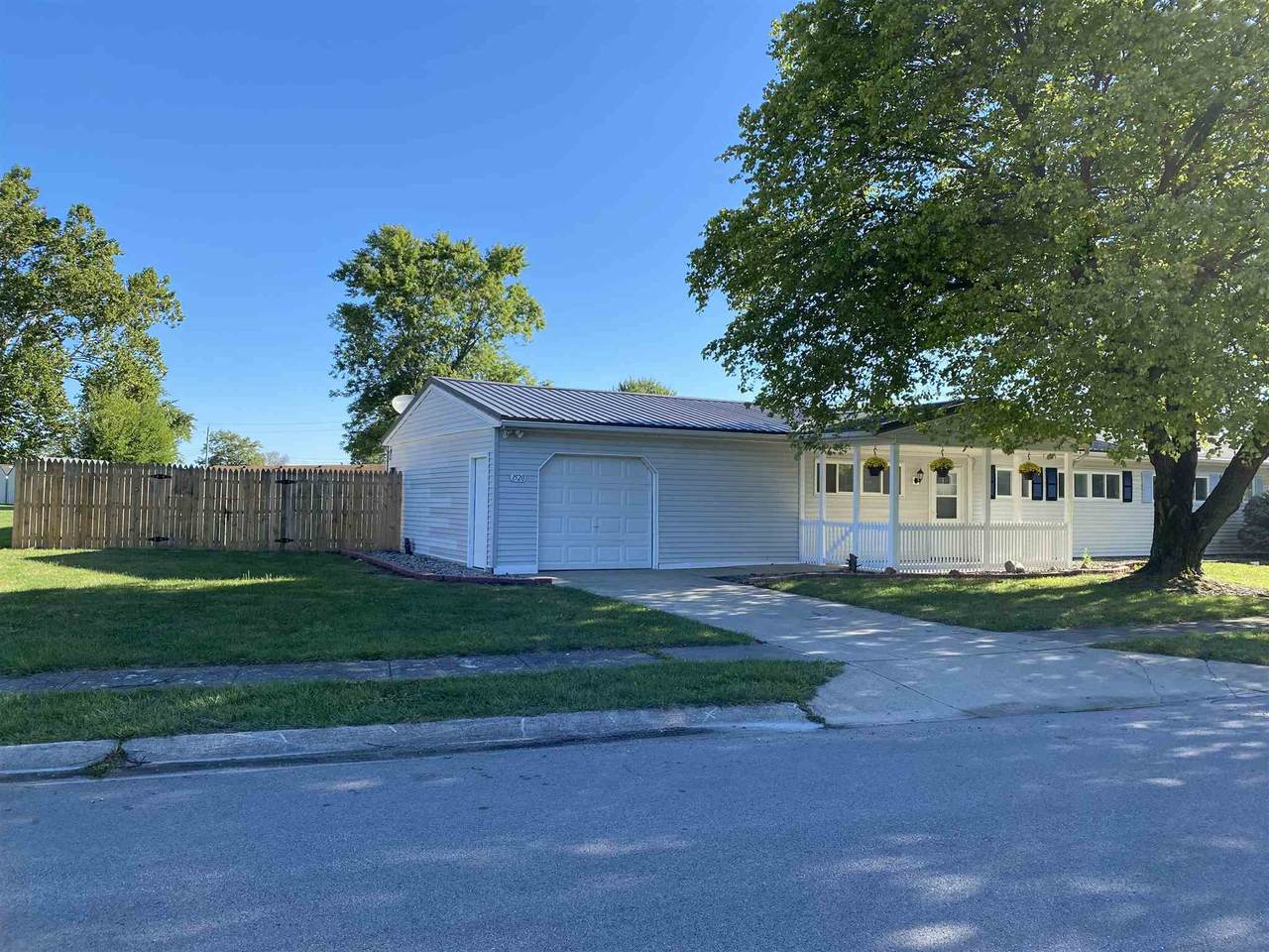 1520 Forbes Avenue - Photo 1