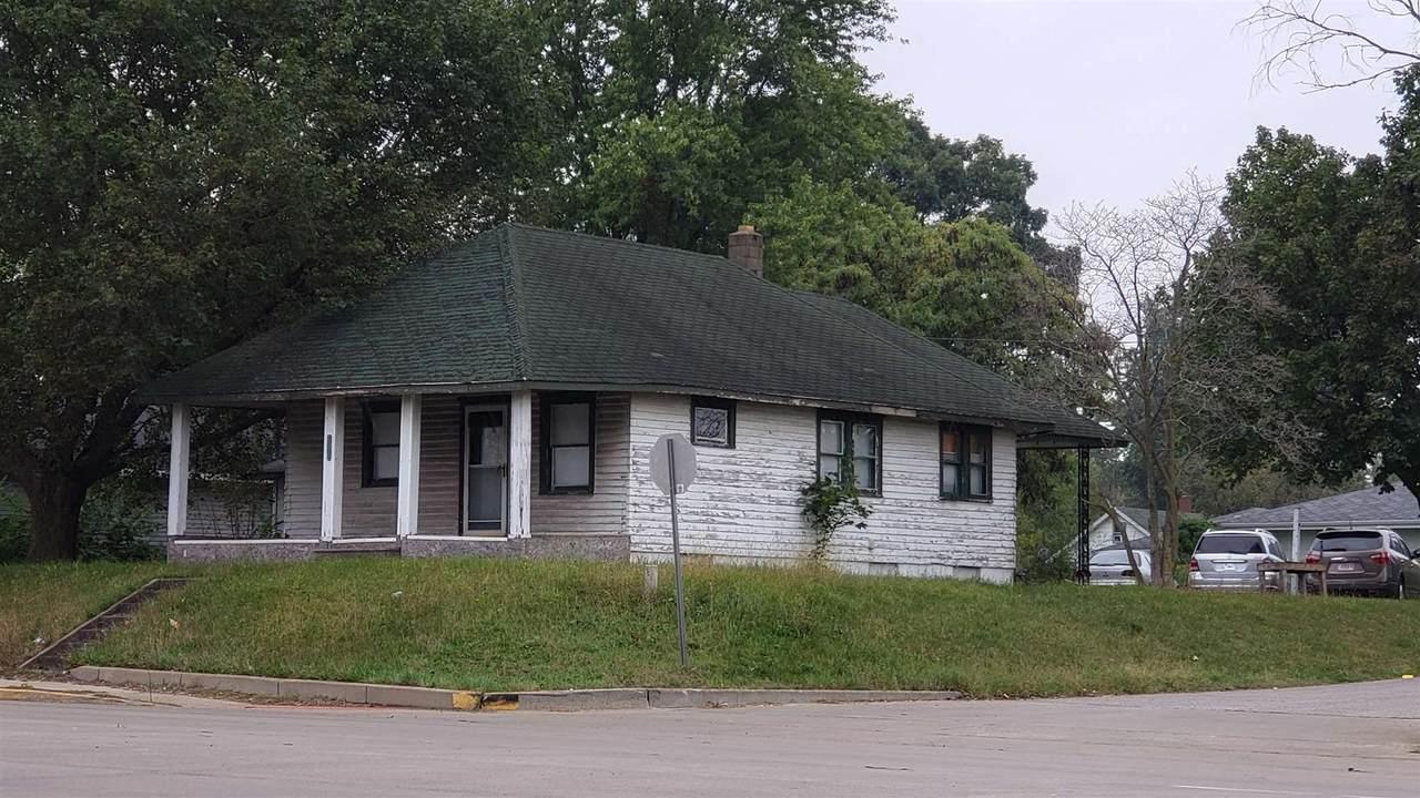 1401 Nappanee Street - Photo 1