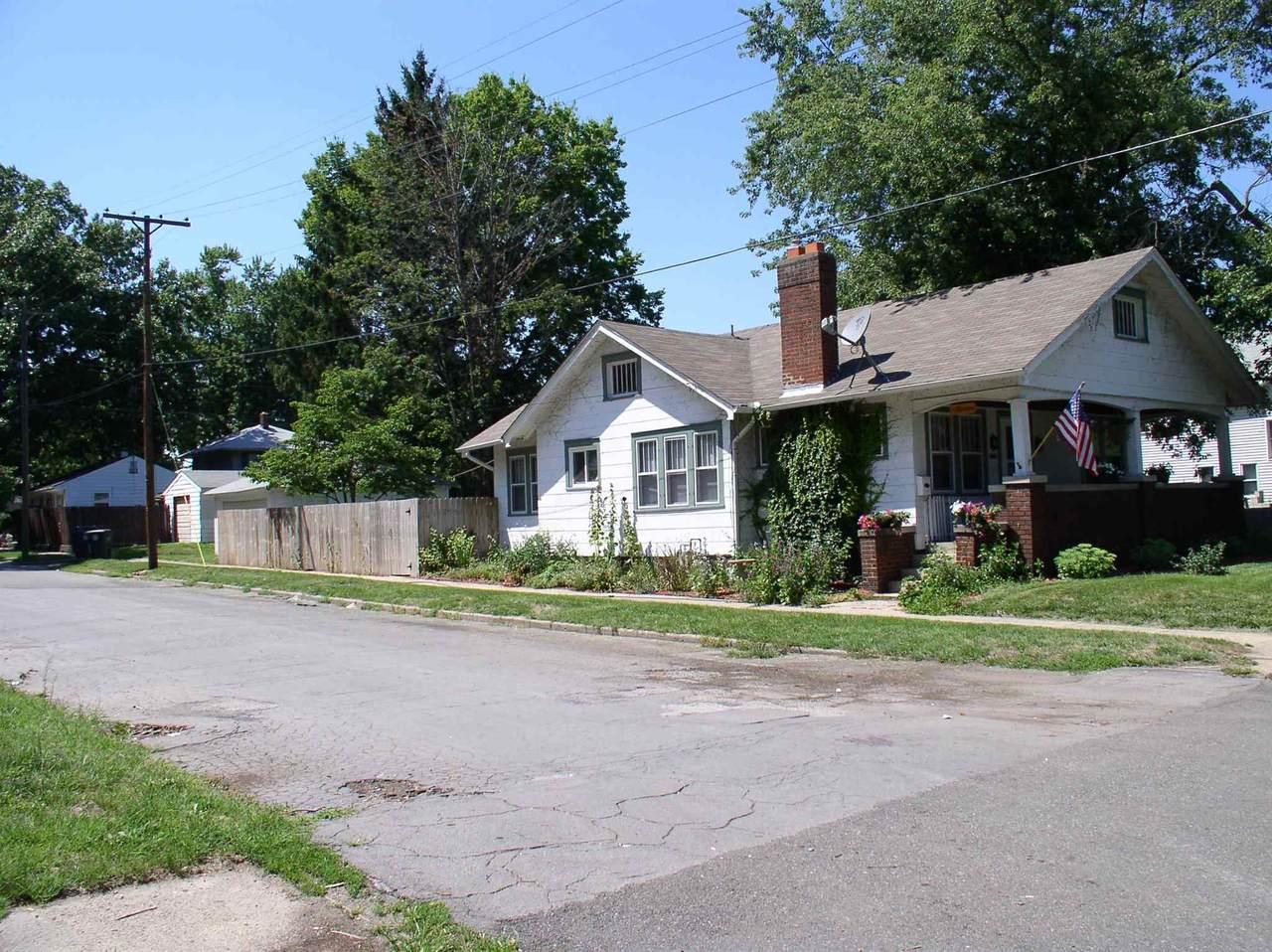 1713 Caroline Street - Photo 1
