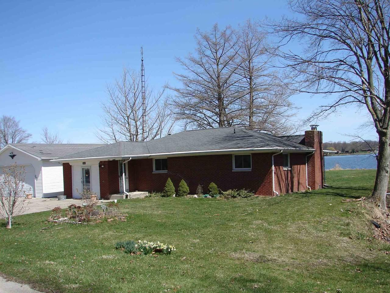 2688 Lakeview Drive - Photo 1