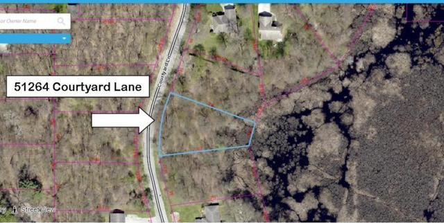 51264 Courtyard Lane, Elkhart, IN 46514 (MLS #201715916) :: Parker Team