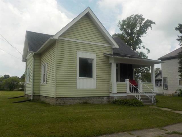 407 S Center St, Flora, IN 46929 (MLS #201731005) :: The Romanski Group - Keller Williams Realty