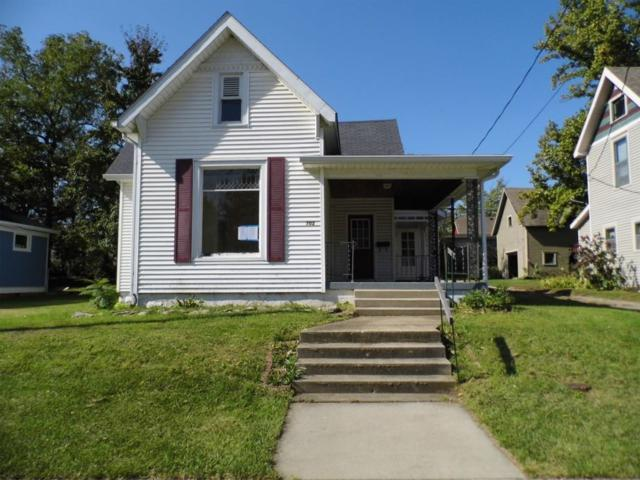 702 S Jackson, Frankfort, IN 46041 (MLS #201748163) :: The Romanski Group - Keller Williams Realty