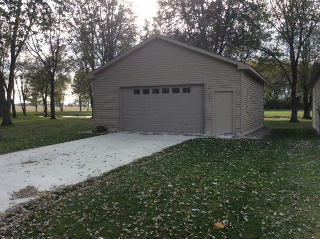 195 Lane 220 Big Turkey Lk, Hudson, IN 46747 (MLS #201748635) :: Parker Team