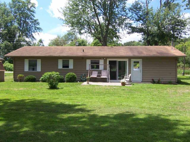 1081 S 950 W, Cromwell, IN 46732 (MLS #201808669) :: The ORR Home Selling Team