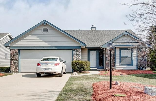 1115 Lake Pointe Cove, Fort Wayne, IN 46845 (MLS #201815484) :: TEAM Tamara
