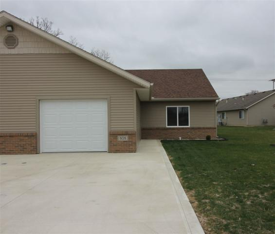 808 Katarina Court, Kendallville, IN 46755 (MLS #201816095) :: The Dauby Team