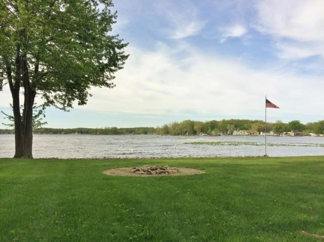 460 Lane 220 Big Turkey Lk, Hudson, IN 46747 (MLS #201816559) :: Parker Team