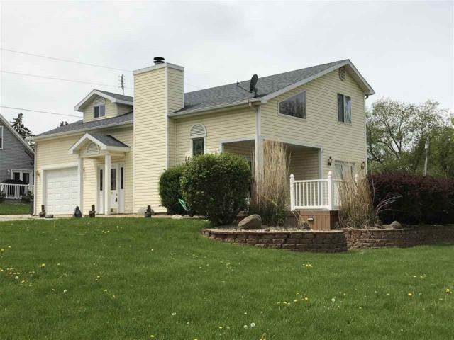 11287 N Wawasee Circle W, Cromwell, IN 46732 (MLS #201816828) :: The ORR Home Selling Team