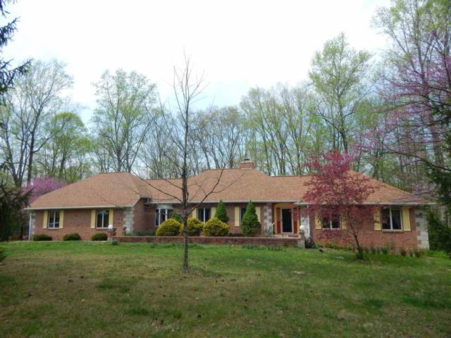 256 The Woods, Bedford, IN 47421 (MLS #201818221) :: The ORR Home Selling Team