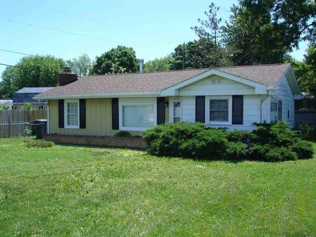 8413 W Smith St, Yorktown, IN 47396 (MLS #201821840) :: The ORR Home Selling Team