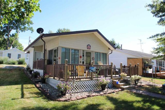 8768 S Hill Lake Drive, Silver Lake, IN 46982 (MLS #201831697) :: The Romanski Group - Keller Williams Realty