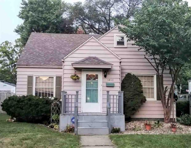 1610 College Street, South Bend, IN 46628 (MLS #201835632) :: The ORR Home Selling Team