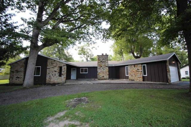 2076 Sycamore, Rochester, IN 46975 (MLS #201837269) :: The ORR Home Selling Team