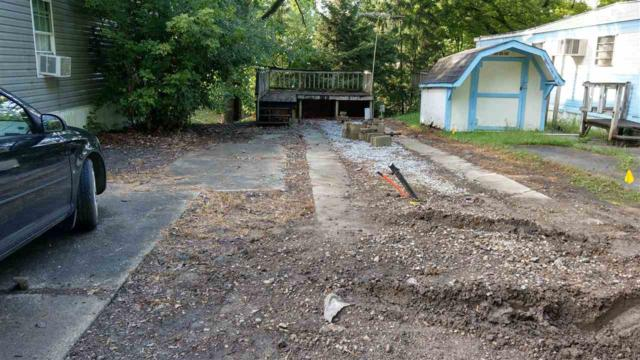 11140 N Landings Road, Monticello, IN 47960 (MLS #201837349) :: The Romanski Group - Keller Williams Realty