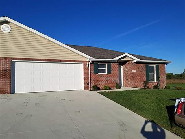170 Sunset Drive, Winchester, IN 47394 (MLS #201841163) :: The Dauby Team