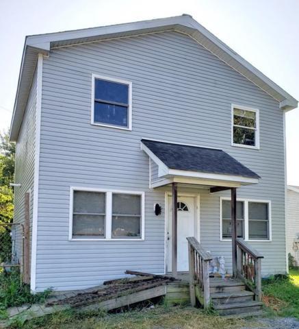 11102 N Wawasee Cir. W., Cromwell, IN 46732 (MLS #201842256) :: The ORR Home Selling Team