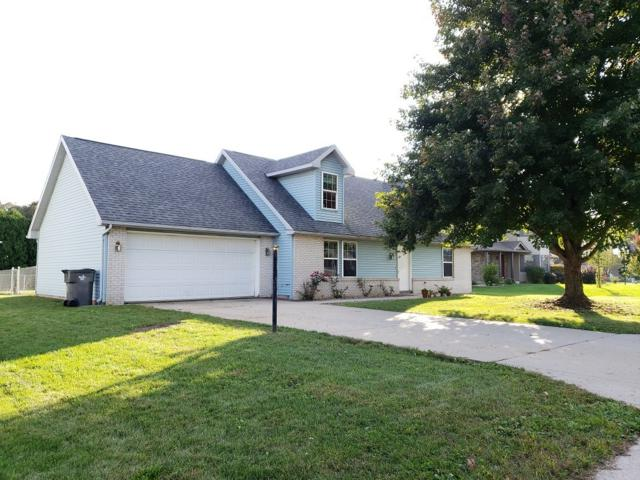 204 Brooke Lane, Millersburg, IN 46543 (MLS #201845711) :: TEAM Tamara