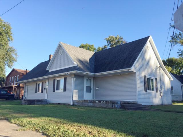 207 S Division Street, Boonville, IN 47601 (MLS #201846241) :: The Dauby Team